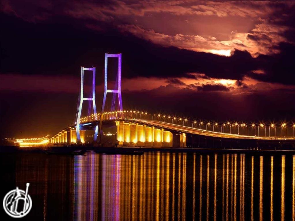 Suramadu Bridge Surabaya Sightseeing odifatour.com